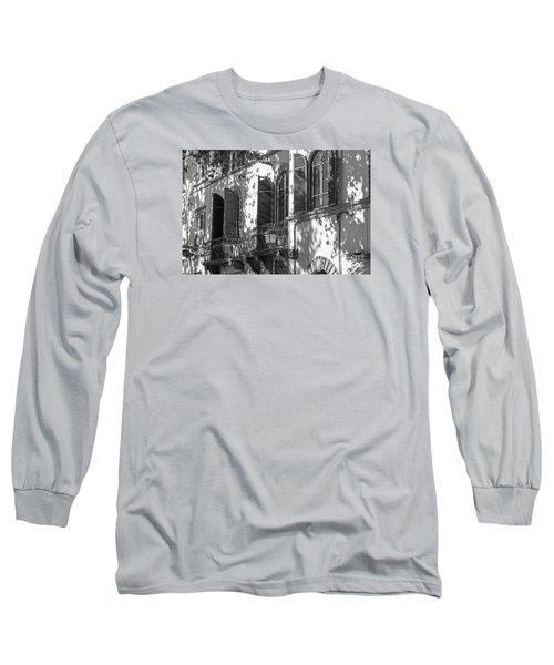 Italian Facade In Bw Long Sleeve T-Shirt