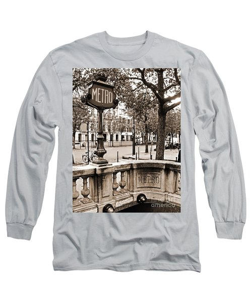 Metro Franklin Roosevelt - Paris - Vintage Sign And Streets Long Sleeve T-Shirt