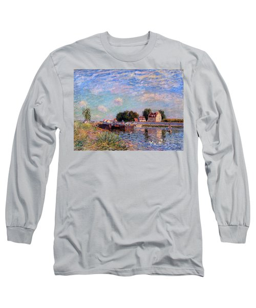 The Canal At Saint-mammes Long Sleeve T-Shirt by Alfred Sisley