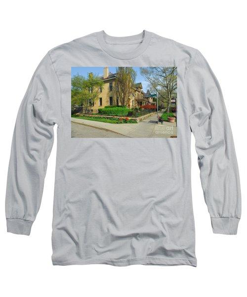 D47l-15 Victorian Village Photo Long Sleeve T-Shirt