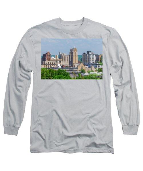 D39u-2 Youngstown Ohio Skyline Photo Long Sleeve T-Shirt