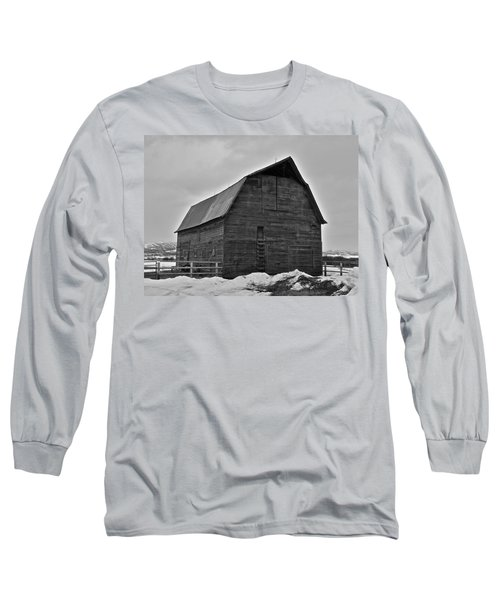 Long Sleeve T-Shirt featuring the photograph Noble Barn by Eric Tressler