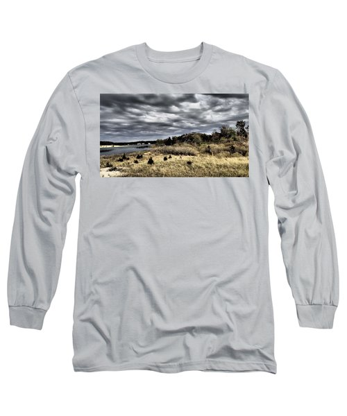 Dramatic Landscape At Elizabeth Morton Long Sleeve T-Shirt