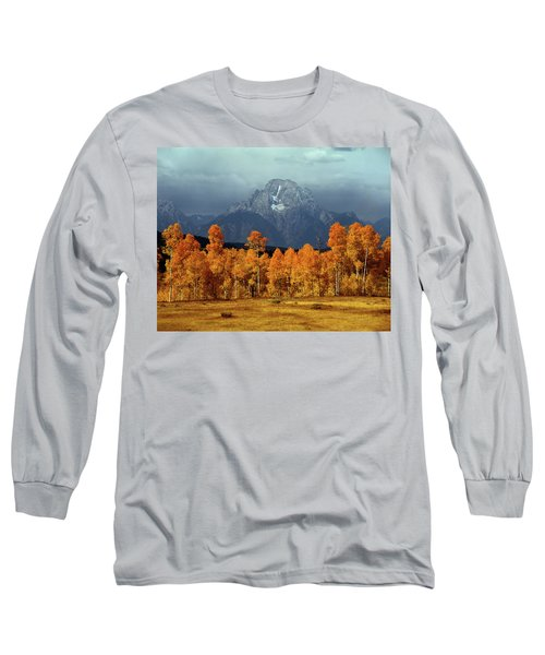 1m9235 Mt. Moran In Autumn Long Sleeve T-Shirt