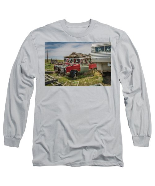 Abandoned Car And Trailer In The Ghost Town Of Cisco, Utah Long Sleeve T-Shirt