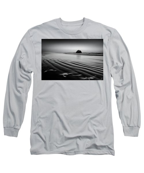 Long Sleeve T-Shirt featuring the photograph An Oregon Morning by Jon Glaser