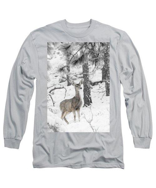Black And White Mule Deer In Heavy Snowfall Long Sleeve T-Shirt