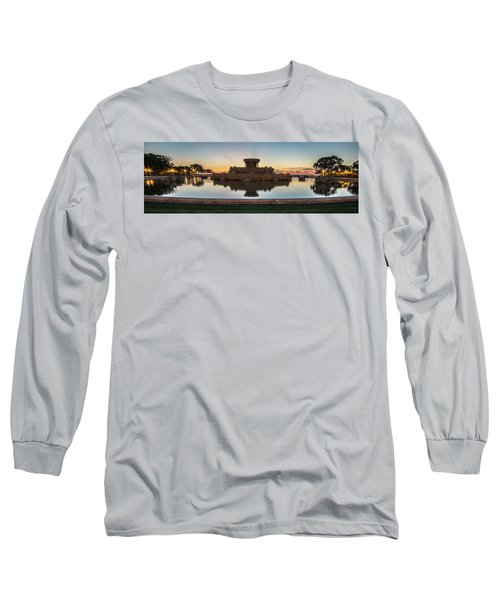 Chicago's Buckingham Fountain At Dawn  Long Sleeve T-Shirt