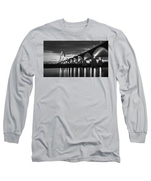 De Oversteek Long Sleeve T-Shirt