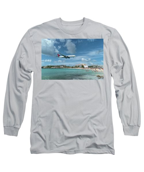 Delta 757 Landing At St. Maarten Long Sleeve T-Shirt