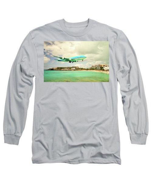 Dramatic Landing At St Maarten Long Sleeve T-Shirt