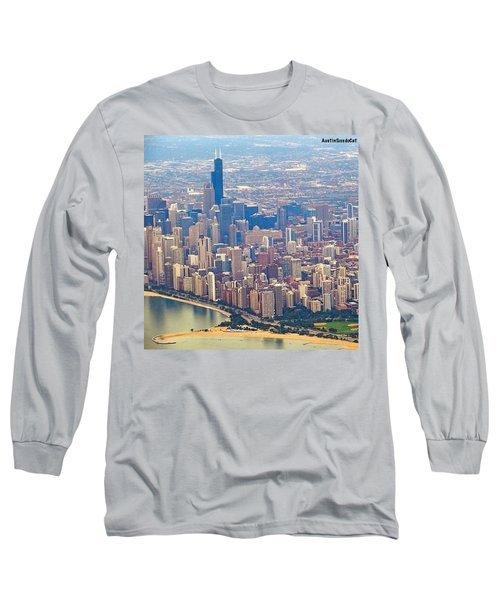 Going In For A Landing At #chicago Long Sleeve T-Shirt