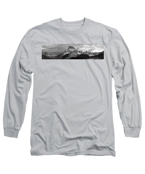 Long Sleeve T-Shirt featuring the photograph Head And Shoulders by David Andersen