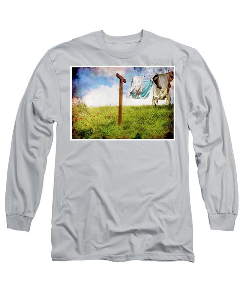 Hobbit Clothesline And Poppies Long Sleeve T-Shirt