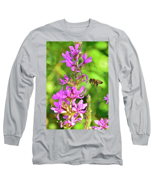 Honey Bee In Flight Long Sleeve T-Shirt