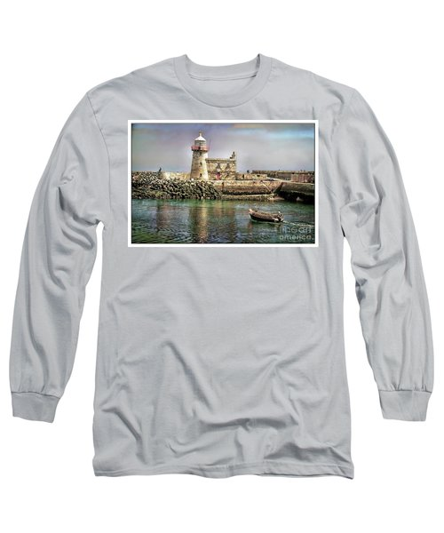 Lighthouse At Howth, Ireland Long Sleeve T-Shirt