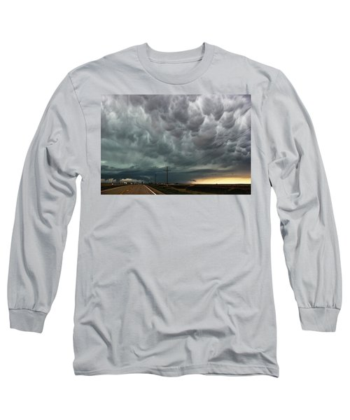 Long Sleeve T-Shirt featuring the photograph Mammatus Over Montata by Ryan Crouse