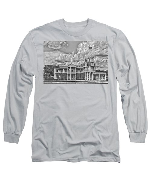 National Museum Of The Pacific War Long Sleeve T-Shirt