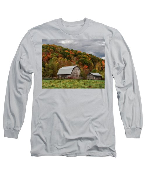 Old Barns Of Beauty In Ohio  Long Sleeve T-Shirt