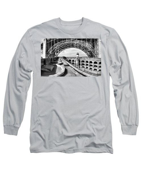 Old Fort Point Lighthouse Under The Golden Gate In Bw Long Sleeve T-Shirt