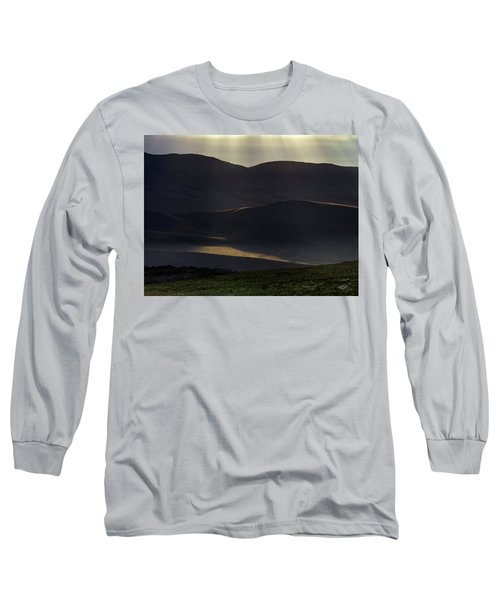 Oregon Mountains 1 Long Sleeve T-Shirt by Leland D Howard