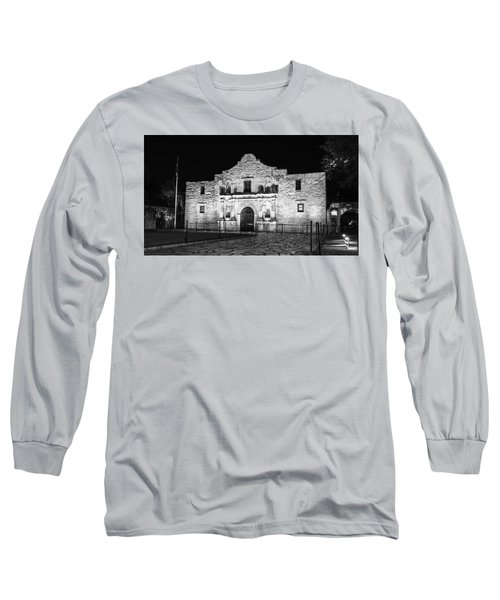 Remembering The Alamo - Black And White Long Sleeve T-Shirt