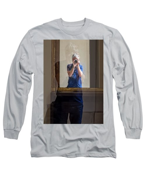 Shooting The Photographer Long Sleeve T-Shirt