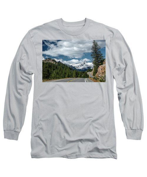 View Of The Pilot Peak From Highway 212 Long Sleeve T-Shirt