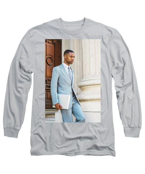 Young African American Businessman Working In New York Long Sleeve T-Shirt