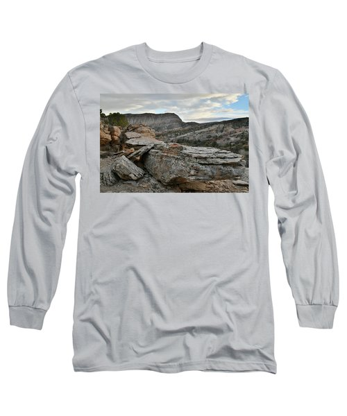 Colorful Overhang In Colorado National Monument Long Sleeve T-Shirt