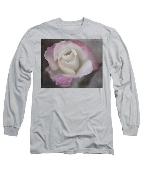 Creamy White Center By Tl Wilson Photography Long Sleeve T-Shirt