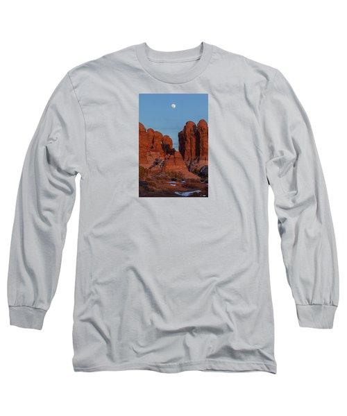 Super Moonrise At Garden Of Eden Long Sleeve T-Shirt