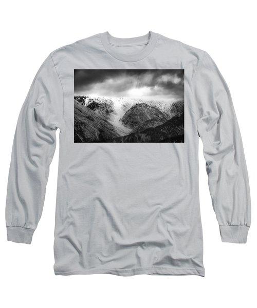 Long Sleeve T-Shirt featuring the photograph Takayama by Hayato Matsumoto
