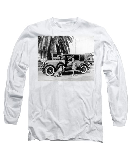 Actress And Dogs Go On Trip Long Sleeve T-Shirt