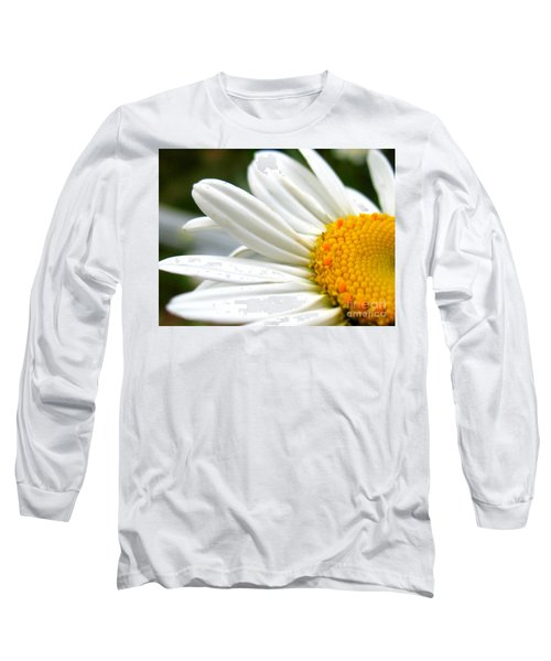 Long Sleeve T-Shirt featuring the photograph Daisy by Patti Whitten