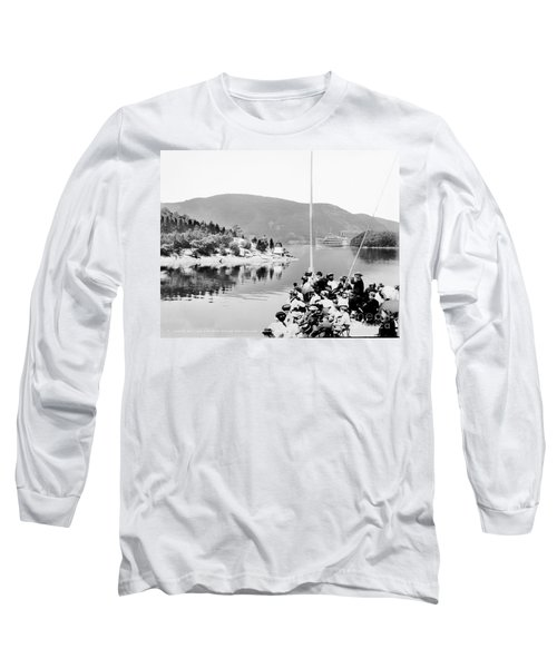 Dayliner At The Narrows In Black And White Long Sleeve T-Shirt