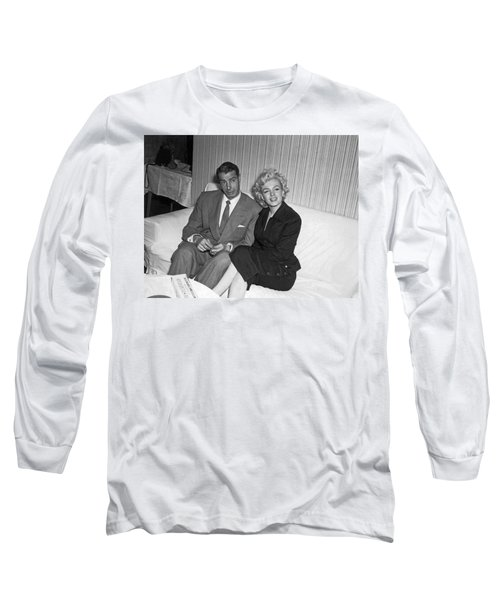 Marilyn Monroe And Joe Dimaggio Long Sleeve T-Shirt
