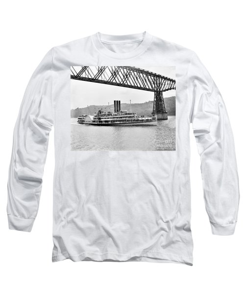 Steamer Albany Under Poughkeepsie Trestle Black And White Long Sleeve T-Shirt