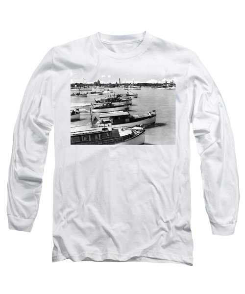 The Start Of The Liggett Trophy Race On The Detroit River In Mic Long Sleeve T-Shirt