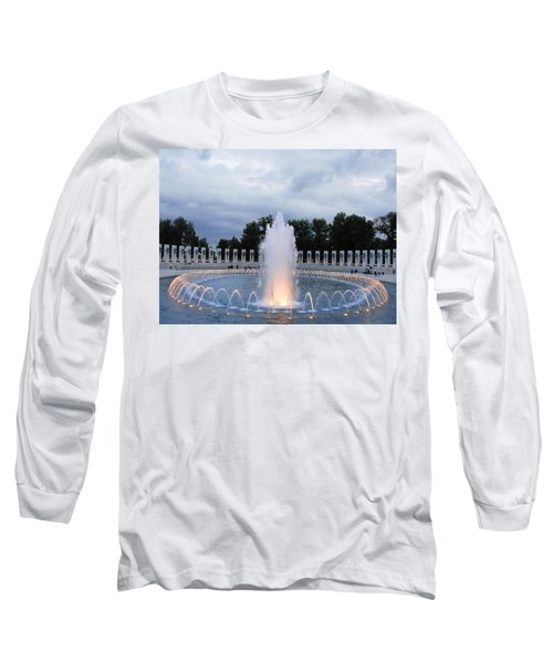 World War II Memorial Fountain Long Sleeve T-Shirt