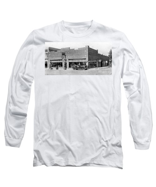 Old Car Gas Station Long Sleeve T-Shirt