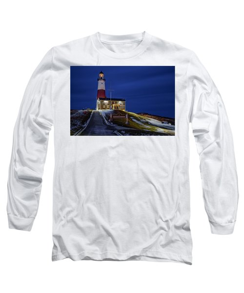 Long Sleeve T-Shirt featuring the photograph Montauk Point Lighthouse by Susan Candelario