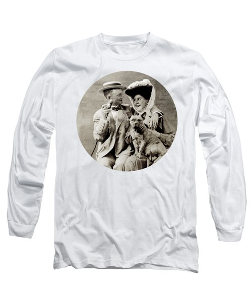 1900 Happy Young Couple Long Sleeve T-Shirt