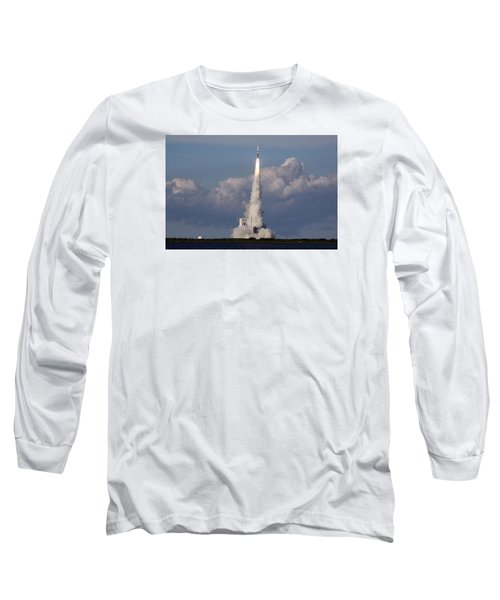A Delta Iv Rocket Soars Into The Sky Long Sleeve T-Shirt