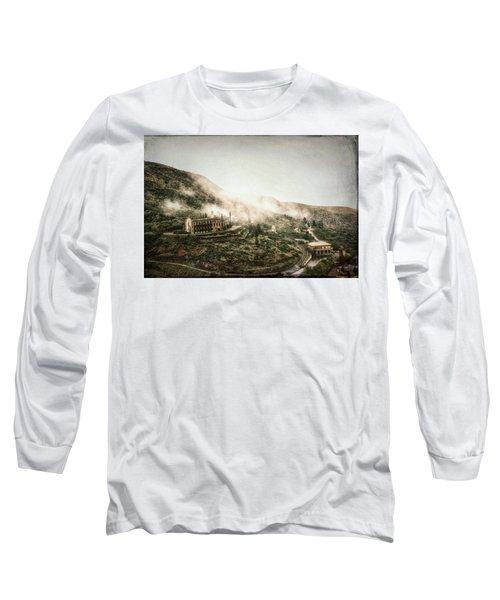 Abandoned Hotel In The Fog Long Sleeve T-Shirt by Robert FERD Frank