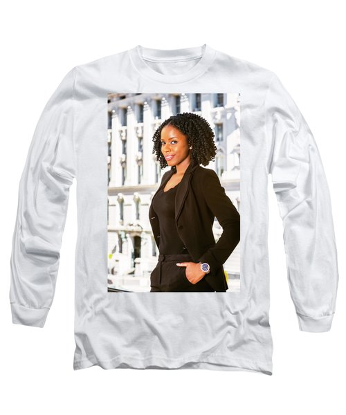 African American Businesswoman Working In New York Long Sleeve T-Shirt