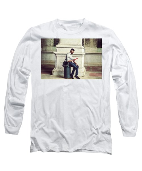 African American College Student Studying In New York Long Sleeve T-Shirt