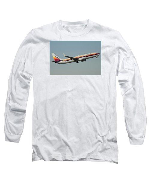 American Boeing 737-823 N917nn December 31 2015 Long Sleeve T-Shirt by Brian Lockett