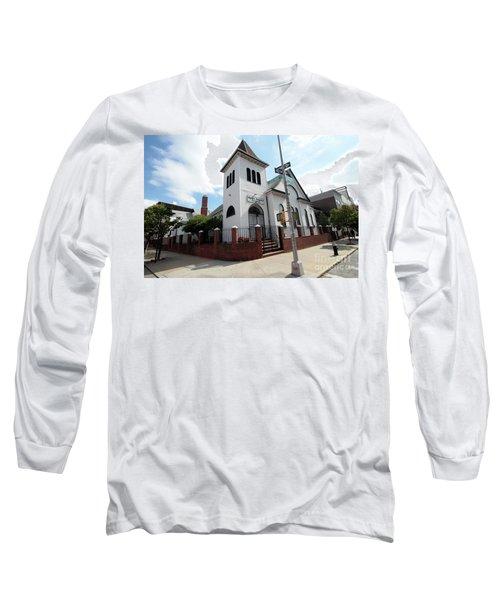 Asamblea Evangelica Evergreen Church Long Sleeve T-Shirt