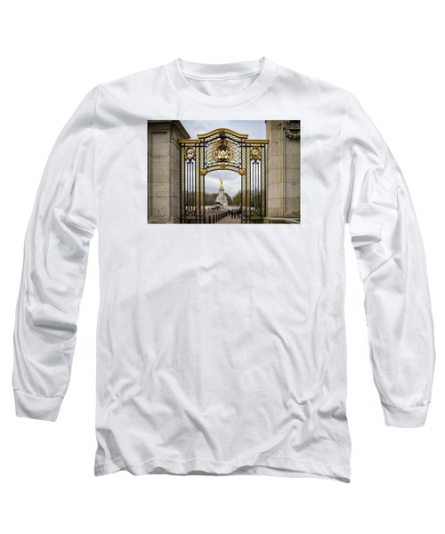 Australia Gate Towards Queen Victoria's Statue Long Sleeve T-Shirt by Shirley Mitchell